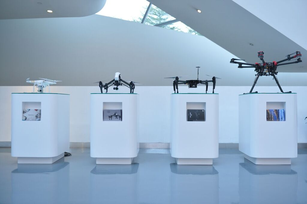 dji-flagship-store-3 New DJI Flagship Store Features Theater, Flight Area, Lounge Area & Repair Center